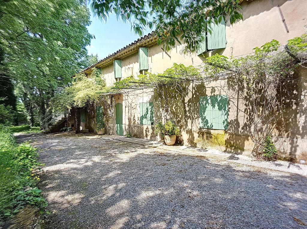 Maison a vendre aix en provence aixty for Self garage aix en provence